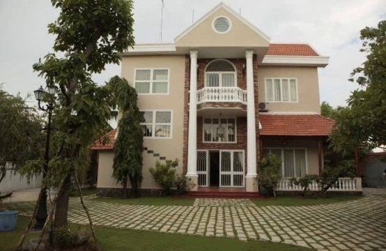 Huge Classic Style Mansion For Rent Without Furniture In Thao Dien