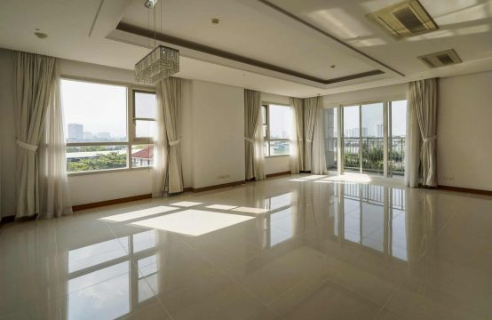 Semi Furnished 201 Sqm Apartment For Rent In Xii Riverview Palace.