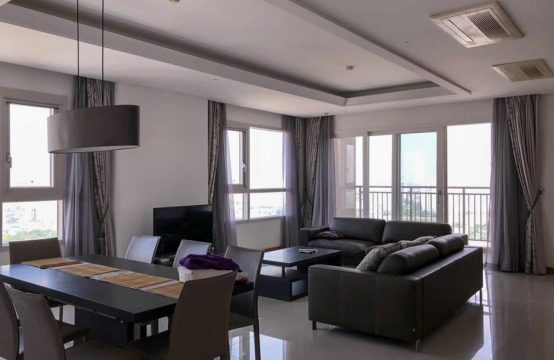 Massive 201 Sqm Apartment In Xii With Mesmerizing River View For Rent