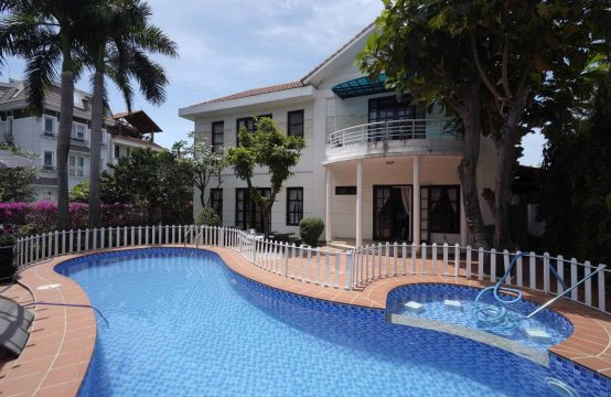 4 Spacious Bedrooms Villa For Rent With Open-Plan Design.