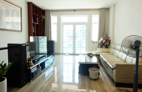 Townhouse In District 2, Very Good Price For Rent