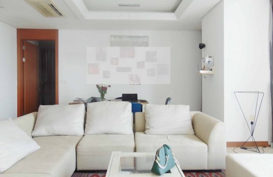 Beautiful Fully Furnished 3 Bedrooms Xi Riverview Palace Condo For Rent