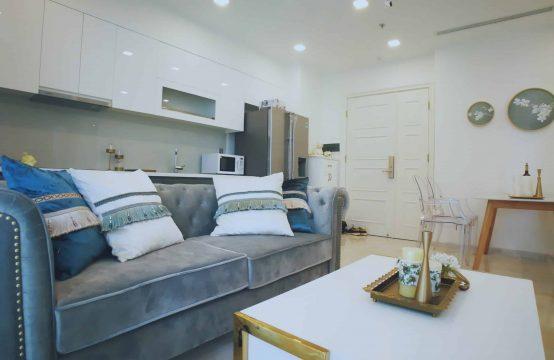 Gorgeous 2 Bedrooms Apartment Vinhome Golden River For Rent