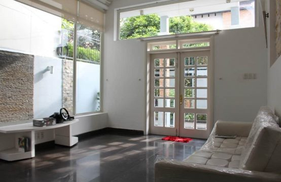Bright And Charm House In Small Alley Thao Dien