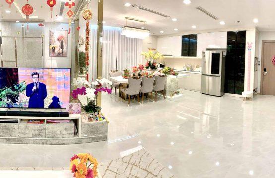 Vinhome Center Park 4 Bedrooms For Rent