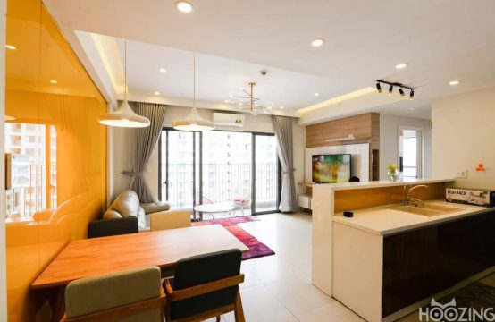 Spacious Two Bedrooms Tower 4 Masteri Thao Dien Apartment