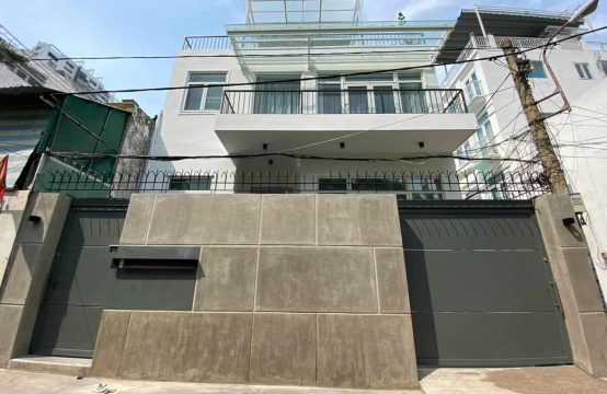 Modern House Near ISHCMC Secondary Campus For Rent